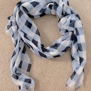 Blue tones light weight scarf